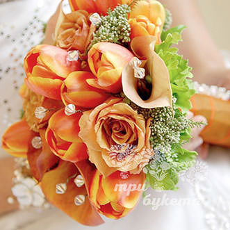 Букет невесты из калл и тюльпанов